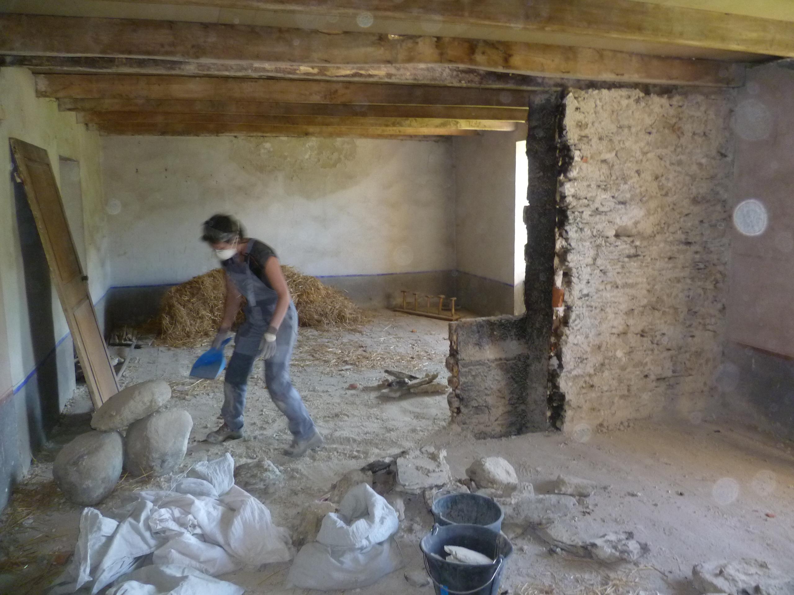 Casser le mur r novons notre maison - Ceruser une poutre de cheminee ...